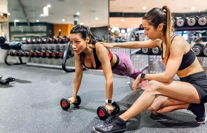 What Should A Fitness Trainer Do For You?