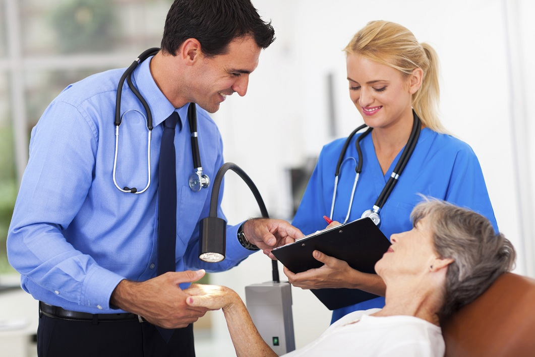 Healthcare Career Review: The Job Of A Medical Assistant!