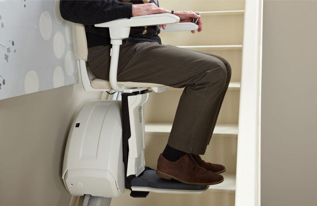 Should You Buy a New Stairlift or Get a Reconditioned One?